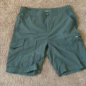 NWOT Women's Green Columbia Shorts